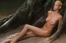 Daryl Hannah In At Play In The Fields Of The Lord
