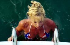 Jaime Pressly Hot Bikini Fight Plot In 'DOA'