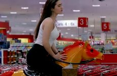 Jennifer Connelly Sexy Plot In 'Career Opportunities'