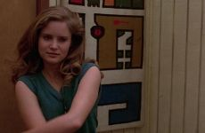 Jennifer Jason Leigh Classic Plot-Fast Times At Ridgemont High