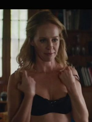 Amy Hargreaves In Paint (2020)