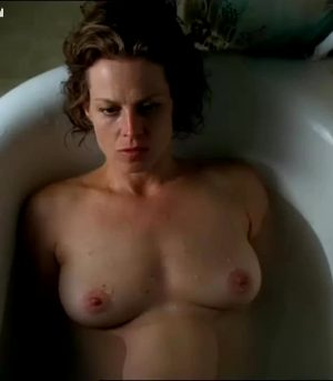 Sigourney Weaver – Nice Plot In 'A Map Of The World'