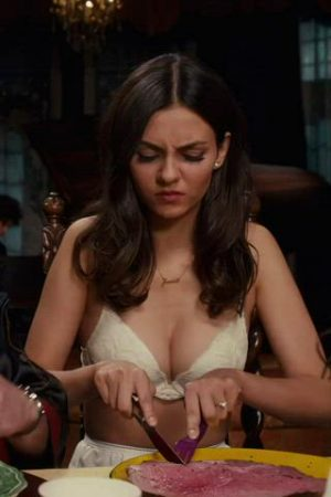 Victoria Justice – Jiggly Plots In The Rocky Horror Picture Show