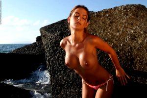 Alexandra Varga – The Waves