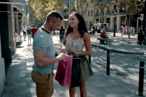 Cassie Del Isla – First Day In Barcelona